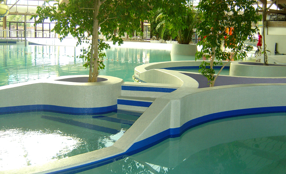 Piscine nimes maldives mod les france piscines for Piscine aquatropic nimes
